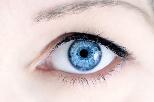 Augen optisch vergrößern mit Make up