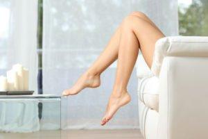 Seidig glatte Beine wünschen sich die meisten Frauen