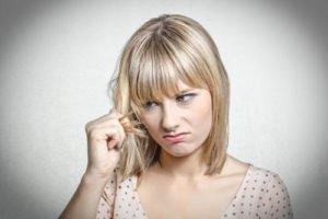 Beim Färben von blonden Haaren muss man besonders aufpassen