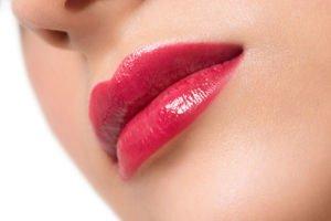 Lipgloss richtig anwenden