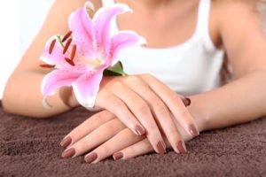 UV-Nagellacke überzeugen durch brillanten Hochglanz