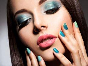 Grün und Türkis gehören zu den Nagellack-Trends 2010