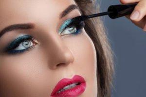 Mascara gehört zu den wichtigsten Beauty Produkten