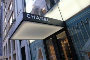Gibt Chanel wieder die Nagellack Trends 2011 vor?