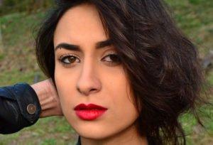 Die Lippen dürfen wieder in kräftigem Rot geschminkt werden
