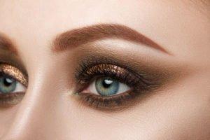 Bronze- und Kupfertöne wirken glamourös