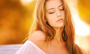 Im Alltag sollte man sich dezenter schminken