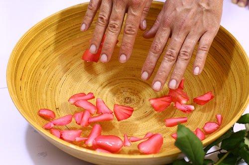 Die Creme von der Pigmentation von und bis zu