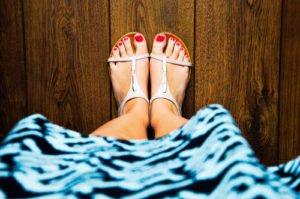 Im Sommer 2014 gehören flache Riemchen-Schuhe zu den wichtigsten Trends