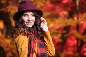 Das wechselhafte Herbstwetter ist eine wahre Herausforderung was die Kleidung angeht