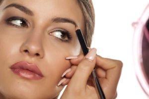Augenbrauen rasieren Anleitung