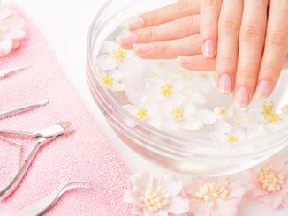 Wenn Nägel splittern: Ursachen & Tipps für schöne Nägel