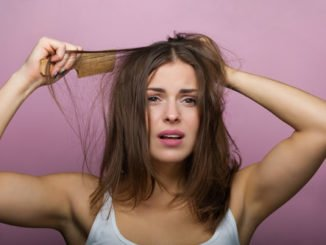 Haare toupieren - Schritt für Schritt Anleitung für einen voluminösen Haaransatz