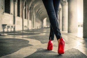Auf High Heels laufen lernen
