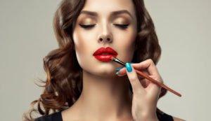 Lippenstift länger haltbar machen