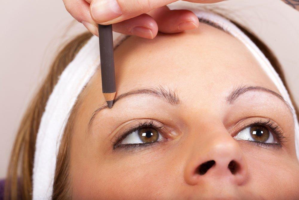 Augenbrauen schminken - Augenbrauenstift