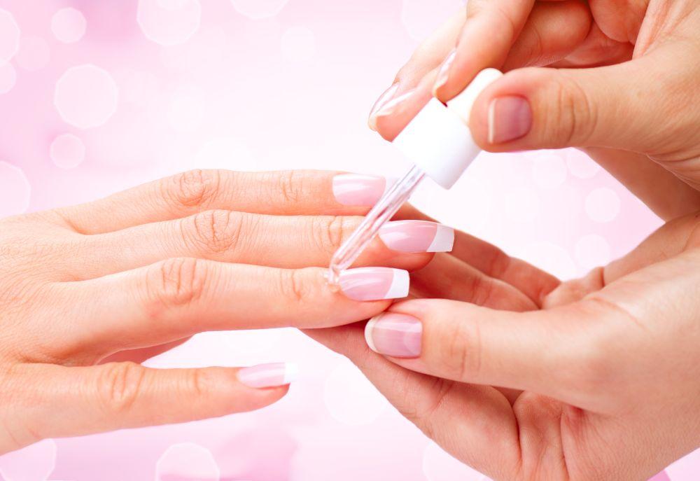 Bare Nails: Nägel stärken