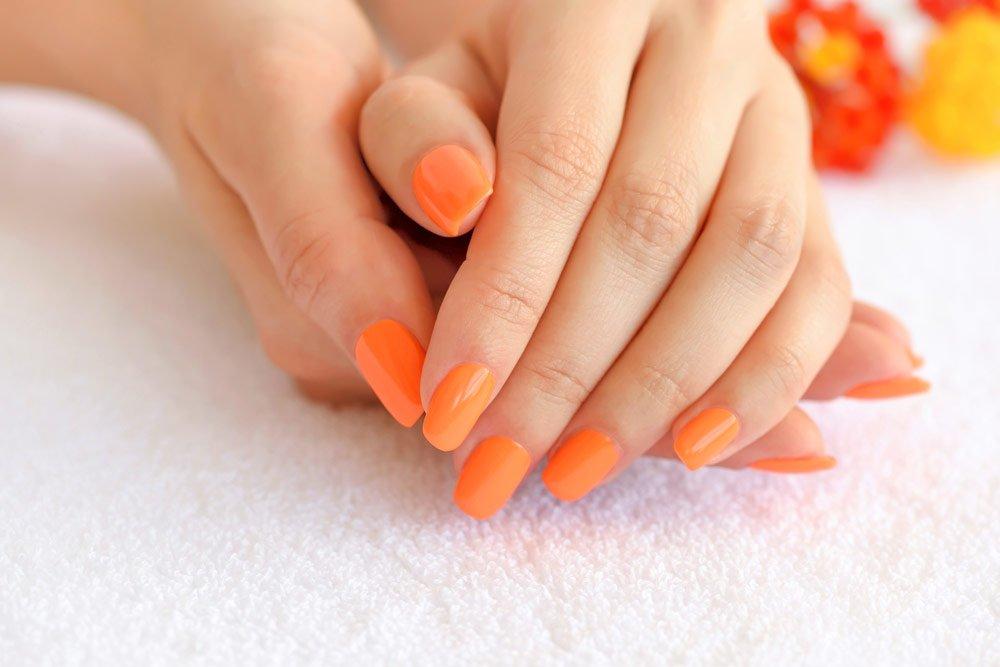Nagellack in Orange
