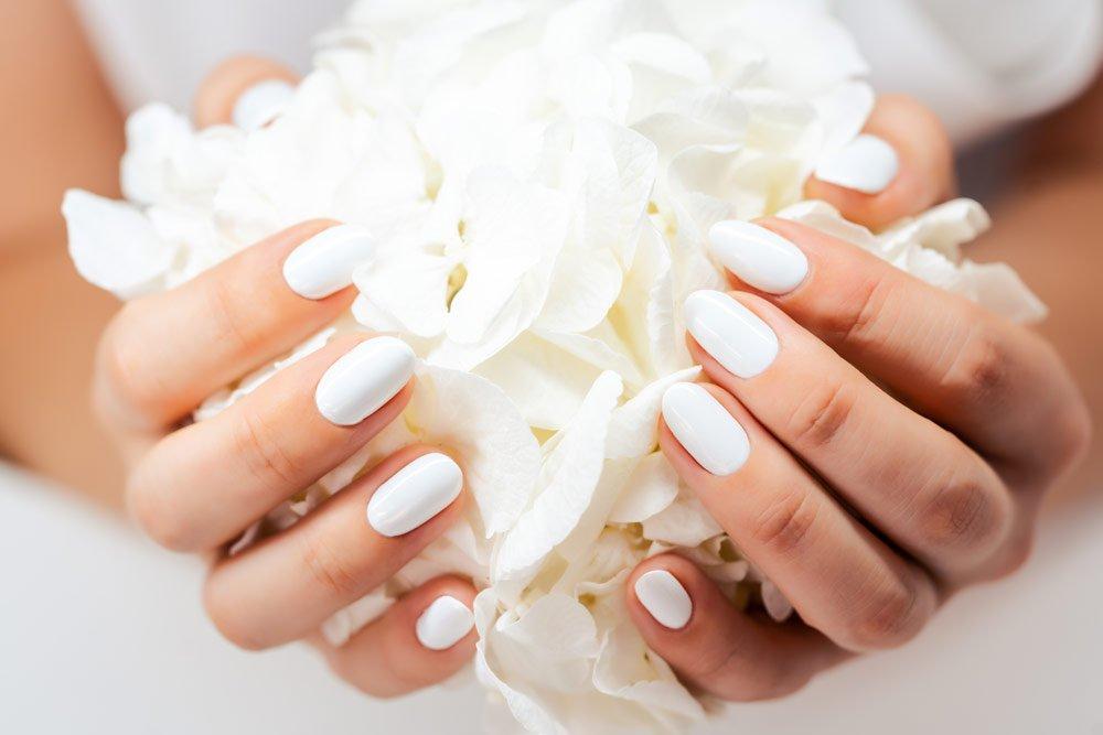 Nagellack in weiß