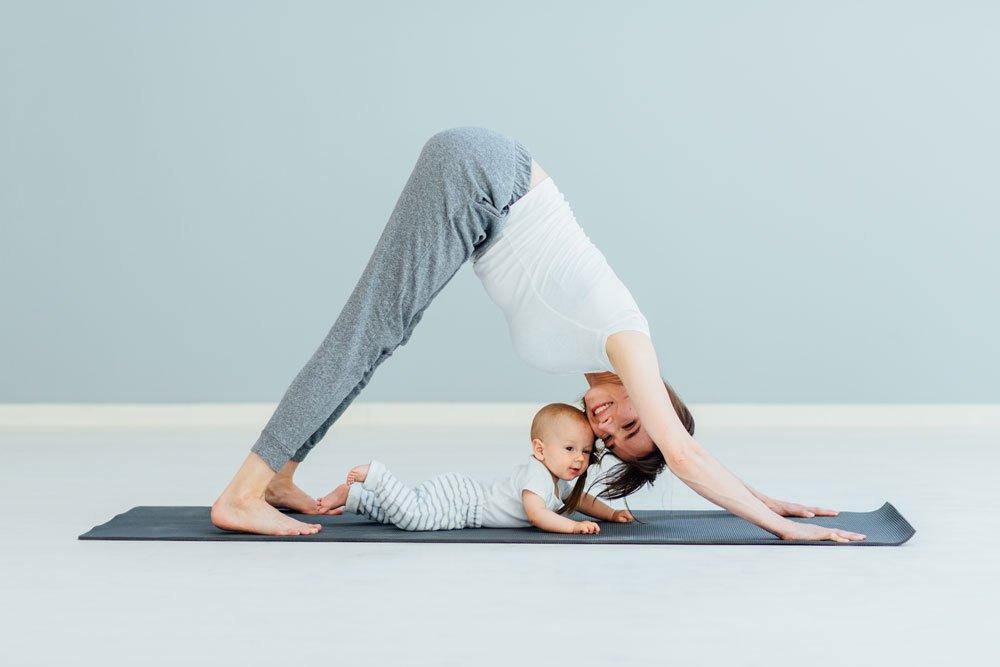 Beckenbodenübung mit Baby