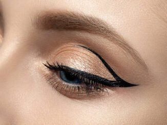 Floating Eyeliner