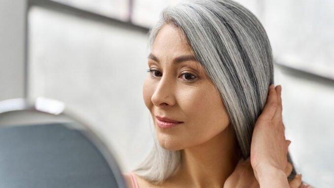 graue Haare pflegen