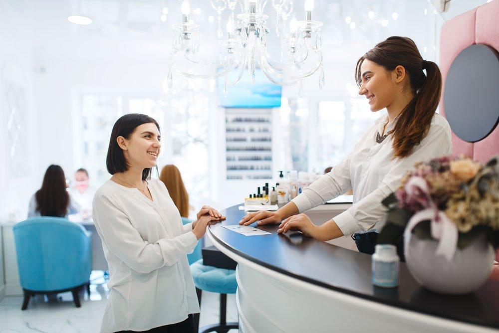 Wimpernlifting im Kosmetikstudio